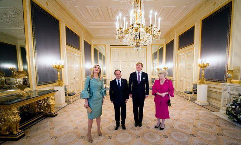 Ik dacht dat ex Koningin Beatrix 'de winkel' had overgedaan aan haar zoon